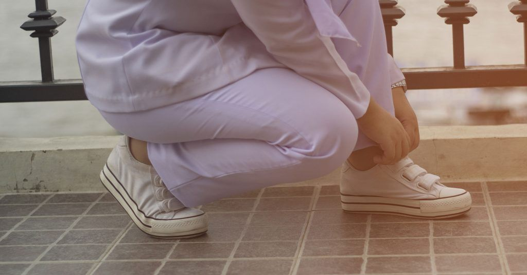 11 Best Comfortable Nursing Shoes for Men & Women 2020