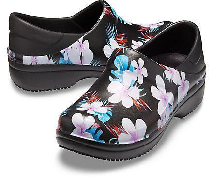 Women's Neria Pro II Graphic Clog - Crocs | Clogs, Womens clogs, Womens fashion shoes