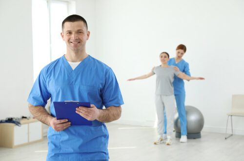 How Do You Become a Physical Therapist? - Sports Management Degree Guide